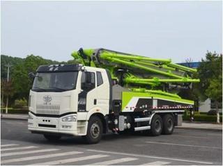 中联重科 ZLJ5330THBJE 泵车