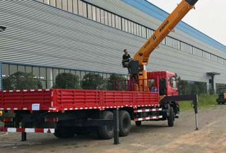 昊意科技东风特商随车吊12吨起重机