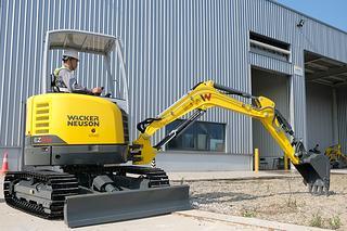 威克诺森 EZ26 挖掘机