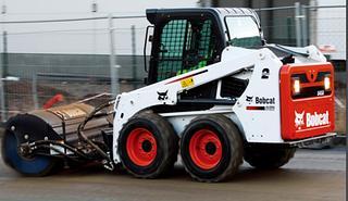 山猫 S450 滑移装载机