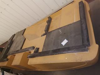 卡特彼勒 318配重 配件图片