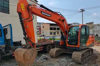 斗山DX130-9CN挖掘机