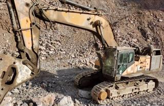 三一重工SY700H挖掘机