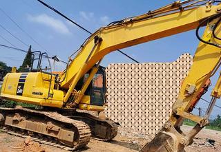 小松PC210-10挖掘机