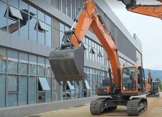 斗山DX200-9CN挖掘机