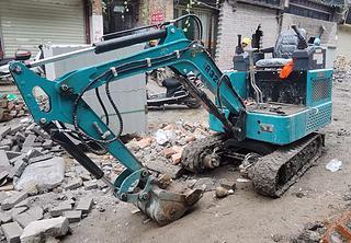山东立派 R328XDS CC 挖掘机