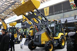 徐工 XC8-S3580 挖掘装载机