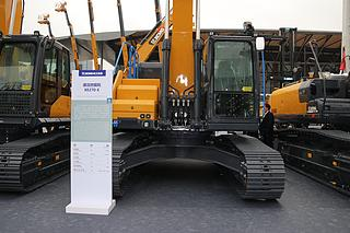 徐工XE270E电动挖掘机