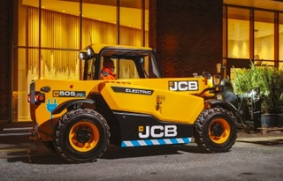 jcbJCB525-60E电动伸缩臂叉装车