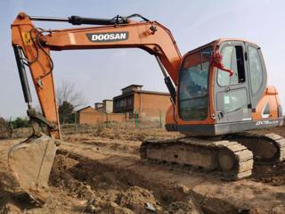 斗山DX75-9CN PLUS挖掘机