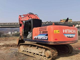 日立ZH200-5B挖掘机
