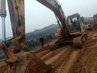 柳工CLG923C挖掘机