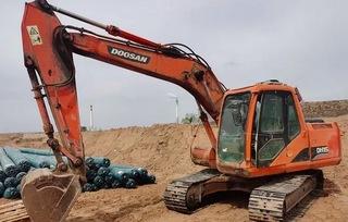 斗山DH150-7挖掘机
