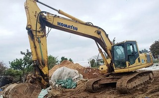 小松PC220-6Z挖掘机