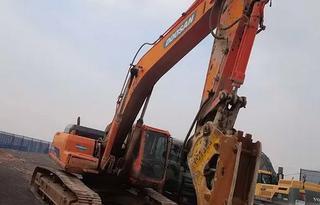 斗山DH300LC挖掘机