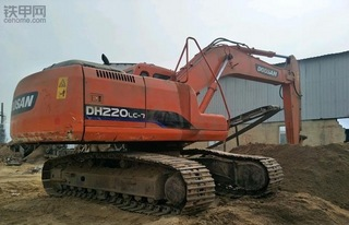 斗山DH219挖掘机