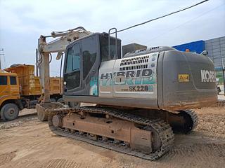 神钢SK210HLC-9挖掘机