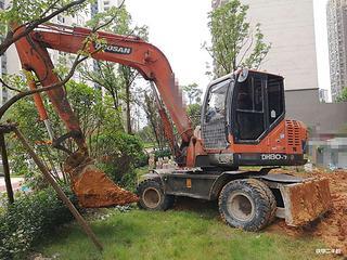 山東魯班 CBL80-9 挖掘機圖片