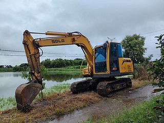 山東臨工E675FS挖掘機