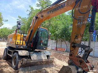 现代R150WVSN挖掘机