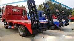 中国重汽 4X2 拖车