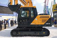 现代 R130VS 挖掘机