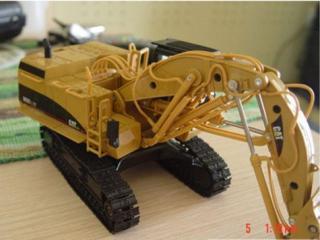 卡特彼勒365CL挖掘机