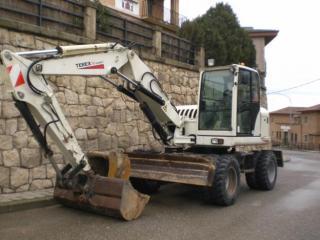 特雷克斯 HML42 挖掘机