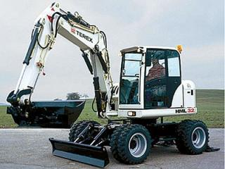 特雷克斯HML32挖掘机