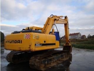 现代R250LC-7挖掘机