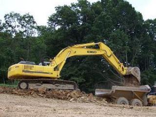 小松 PC200-2 挖掘机图片
