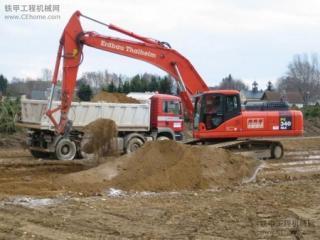 小松 PC340NLC-6 挖掘机图片