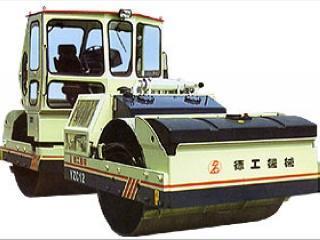 德工 YZC12 压路机
