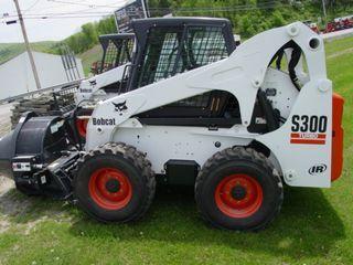 山猫 S300 滑移装载机