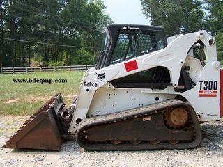 山猫 T300 滑移装载机