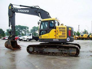 沃尔沃ECR235CL短尾挖掘机