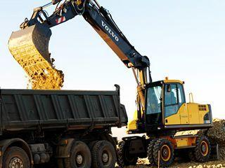 沃尔沃EW210C挖掘机