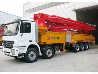 全进重工JJ-M5717奔驰底盘泵车