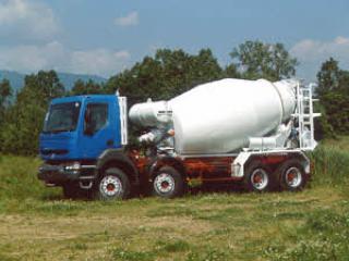 利勃海尔 HTM804 搅拌运输车