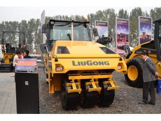 柳工 CLG6520 压路机