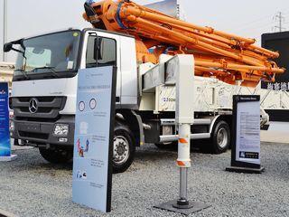 中联重科 ZLJ5339THB 49X-6RZ 泵车
