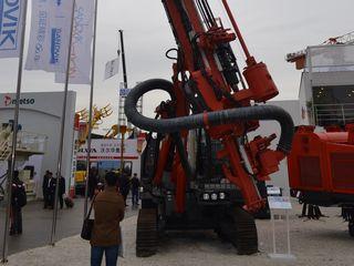 山特维克 DX800 潜孔钻机