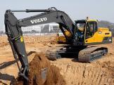 沃尔沃 EC250D 挖掘机
