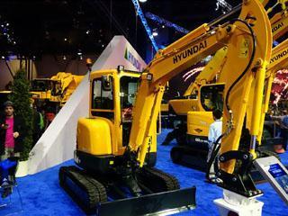 现代R35Z-9挖掘机