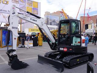 山猫 E50 挖掘机
