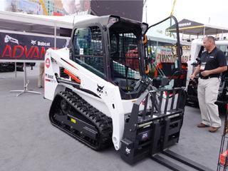 山猫 T450 滑移装载机
