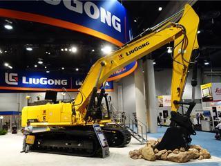 龍工 950E 挖掘機圖片