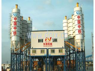 东南机械 HZS180 混凝土搅拌站
