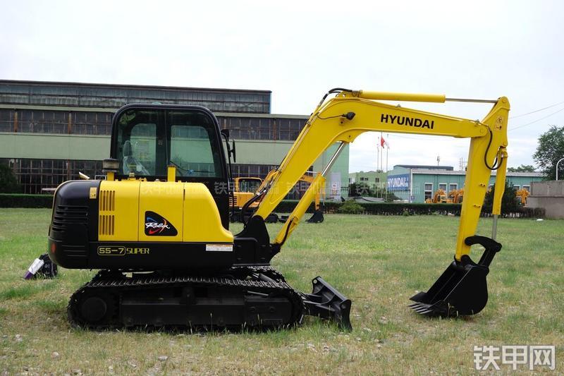 现代R55-7挖掘机整机外观
